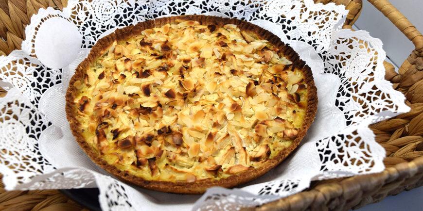 Vegane, glutenfreie Apfelwaehe mit Mandeln